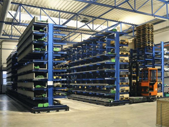 Cantilevered racks PROMAN